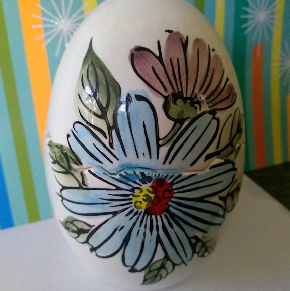 Japan Vintage ceramic egg shaped salt and pepper shakers with silver stripe